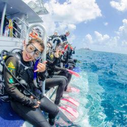 ReefQuest Great Barrier Reef Cert Dive Day Trip Passengers