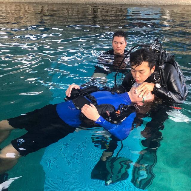 Divers Den IDC rescue training