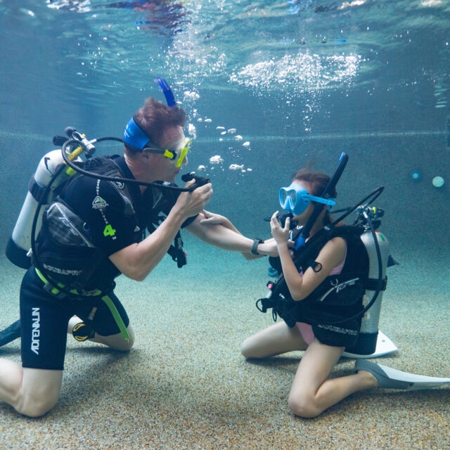 Divers Den Cairns kids' learn to dive program